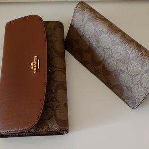 Coach leather wallet with checkbook sleeve